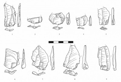 Figure 5. Flake and blade blanks with trapezoidal cross sections and butts in 'chapeaux de gendarme' shape. Drawn by Natalya Vavilina & Patrycja Danyło.